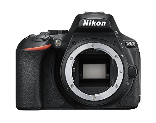 Nikon D5600 Fotocamera Reflex Digitale, 24.2 Megapixel, LCD Touchscreen ad Angolazione Variabile 3',...