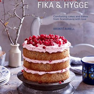 ScandiKitchen: Fika and Hygge: Comforting cakes and bakes from Scandinavia with love 51vatoygNaL