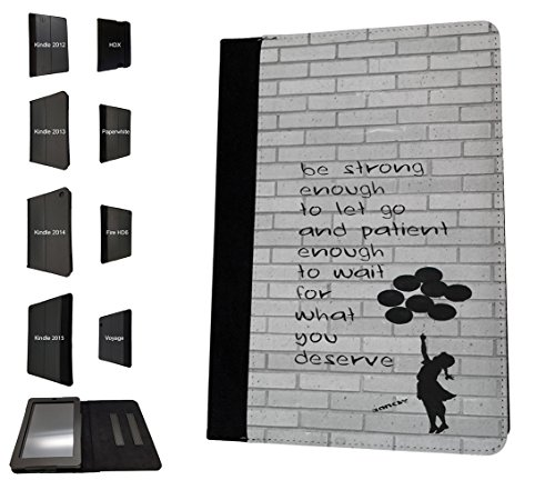 "002254 - Banksy Graffiti Art Floating Balloon Girl Quote Be fuerte diseño Amazon Kindle Fire 7 ""5ª generación (2015 Release Only) funda de tendencia de moda TPU funda de piel protectora bolso bolsa libro Defender atril"
