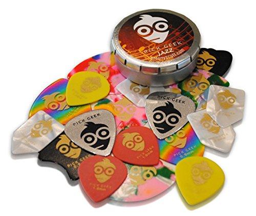 Pas-de-Guitarra-Pick-Geek–Cool-Custom-para-su–Pas-de-Guitarra-Elctrica-acstica-o-guitarra–extra-Heavy-Heavy-Medio-y-fina-Luz–presentado-en-una-caja-de-lujo-bolsillo-Diseo-nico-y-metal–para-nia-Ch