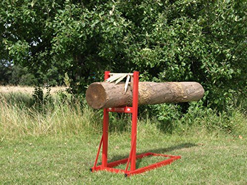 The Forest Master Quickfire Rapid Load Saw is more adapted to domestic situations. It is not a large unit and thus it can only handle so much. The well- constructed saw horse is made from strong metal. This, in turn, facilitates stability as the log is being sawn off. The unit can handle large logs well but the smaller sizes will be more difficult. We would recommend this saw horse for those who do not mind spending a little more to get even better quality. Keep the logs within the specified requirements to avoid facing difficulties with the product.