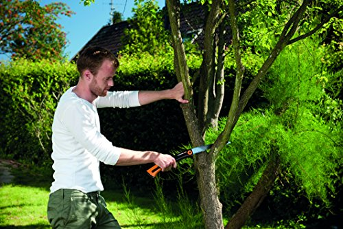 Fiskars Xtract Garden Saw (L) SW75, Length: 55 cm, Non-stick coating, Hardened steel blade/Fiberglass reinforced plastic handle, Storage and carrying case included, Black/Orange, 1000614
