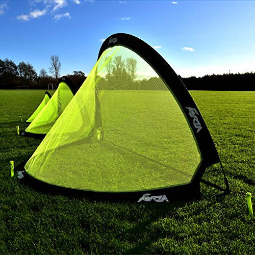These pop up goals are ready for play in seconds and they are perfectly portable. Available in three different sizes, these are suitable for players of all ages, enabling them to perfect their passing and shooting skills.