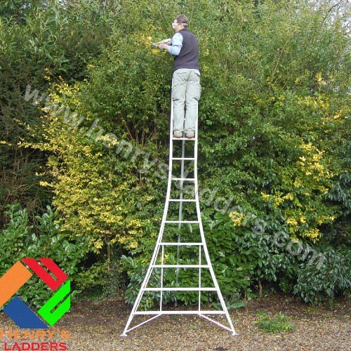 This Henrys Tripod Garden Ladders with built-in Platform by Henchman will make you feel safe and stable when working at height or rugged terrain. All its three legs are adjustable so you can find the perfect balance on uneven surfaces. It is therefore impossible to have one leg hanging, which makes it different from other models with fixed designs.