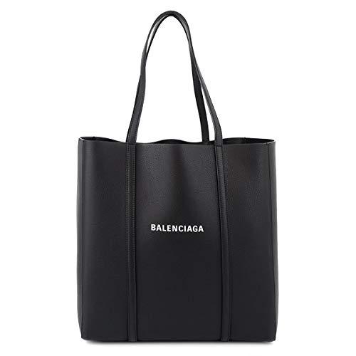 バレンシアガのトートバッグは40代女性に人気