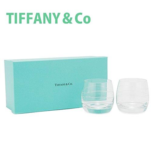 人気ブランドであるティファニーのペアグラスを同僚の結婚祝いにプレゼント