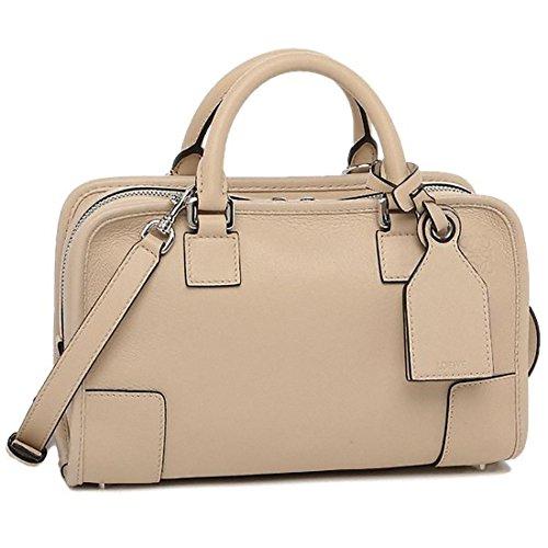 ロエベのショルダーバッグは40代女性に人気