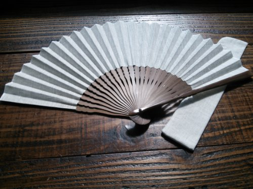 Cadeau屋オリジナル リネン(麻)100%ナチュラル扇子&扇子袋セット 京都の職人手作り ありそうでなかったシンプル&ナチュラルなリネン扇子です
