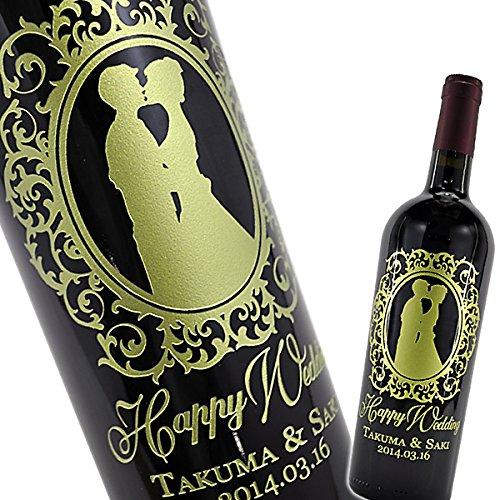 名前入りワインは結婚式でも人気の贈り物
