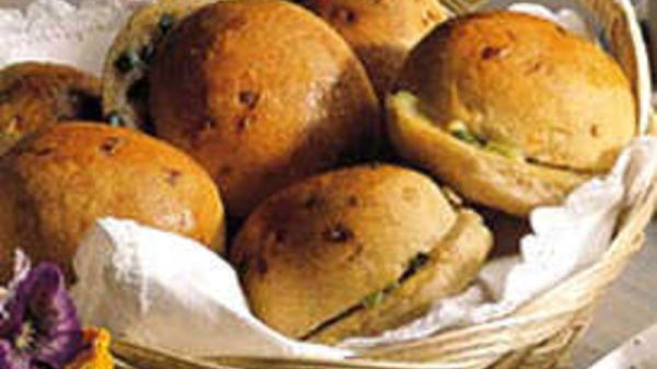 DoubleOnion Rolls recipe from Betty Crocker