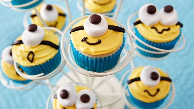 Image result for minion cupcakes