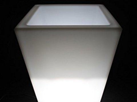 blumenkübel weiß point-garden blumenk�bel pflanzk�bel pflanzgef�� wei� beleuchtet  designerleuchte h�he cm