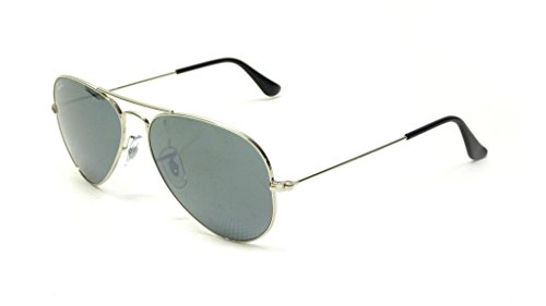 31NfHDZrmkL Bundle of 2 Items - Includes Ray Ban RB3025 Large Metal Aviator Sunglasses and lens cleaning kit Cleaning Kit includes a 1 ounce spray bottle, screw driver/key chain, and a folded gray microfiber cloth. Includes Manufacturer Warranty, cleaning cloth and case.