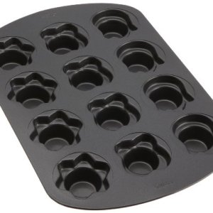 Wilton 2105-0592 Non-Stick Mini Baking Tray 12 Cavites, Steel, Black 41CjKicXM L