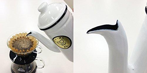 注ぎ口が水圧の微調整ができるようにペリカンのくちばしのように加工されている。