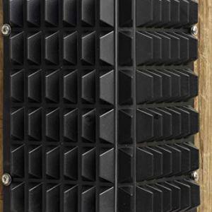 Equi-Essentials Stall Corner Scratcher 3-Pack Black