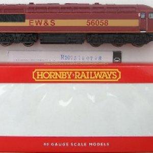 Hornby R2075 OO Scale Class 56 Diesel Locomotive EW&S Maroon & Yellow 56058 41QLPwco88L