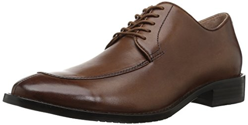 A split toe and clean quarter bring distinctive style to this leather oxford shoe Open derby lacing