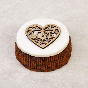 The Cakeology Co Bakery 10 cm Gift Cake in a Tin – Rich Fruit Cake with Brandy, Hand-Decorated with Marzipan, Icing and a Heart Plaque, 325 g 51DnfQMy0aL