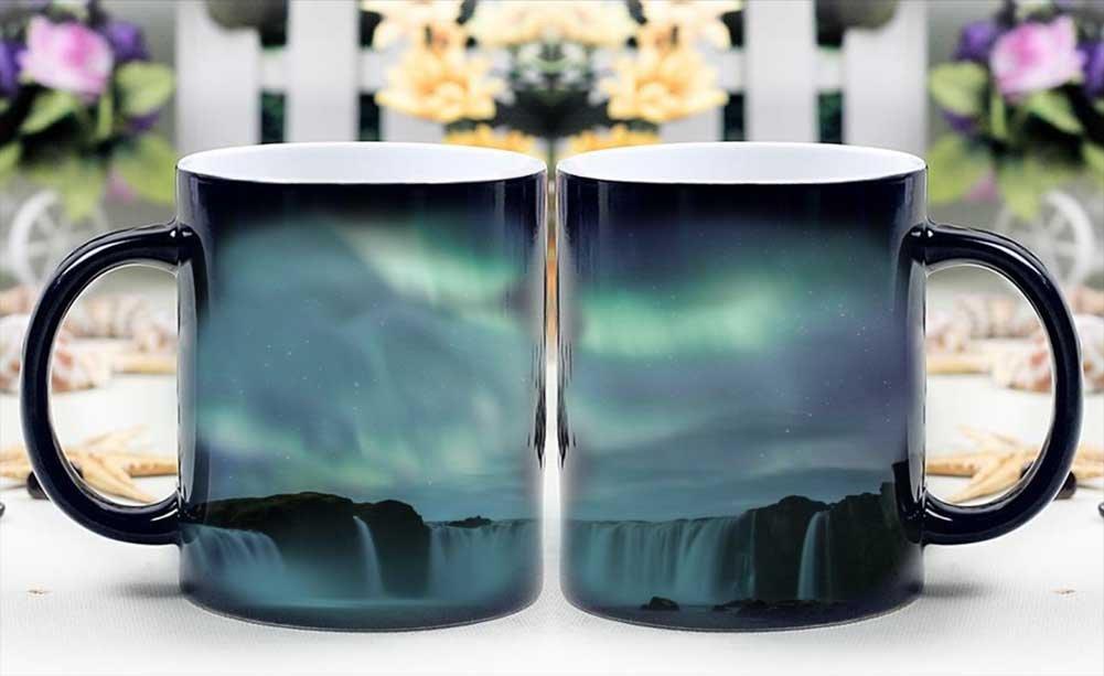 Tazza a tema Aurora Boreale: le luci del Nord compaiono appena ci si versa un liquido bollente dentro!