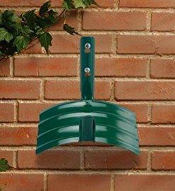 garden hose hanger ideas