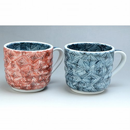 Kiyomizu-kyo yaki ware. Set of 2 Japanese mug cups someakaraimon with wooden box. Porcelain. kymz-CRM684