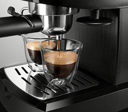 DeLonghi-15-bar-Pump-Espresso-and-Cappuccino-Maker-Black