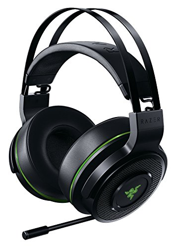 Razer Thresher For Xbox One: Windows Sonic Surround – Lag-Free Wireless Connection – Retractable Digital Microphone – Gaming Headset Works With PC & Xbox One
