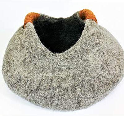 Tinie Fwends Eco-Friendly 100% Merino Wool Felt Cat Basket Bed in Grey