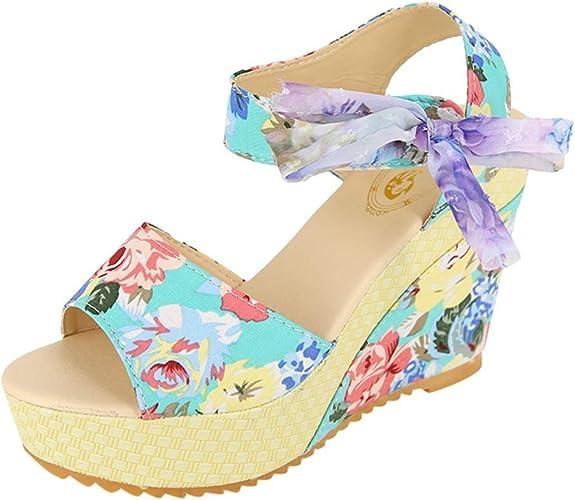 Sandalia de plataforma tipo cuña con estampado floral
