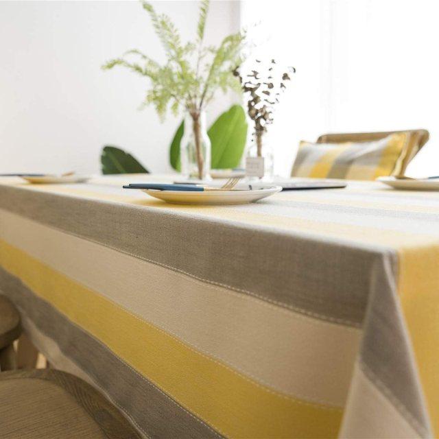mantel amarillo y gris