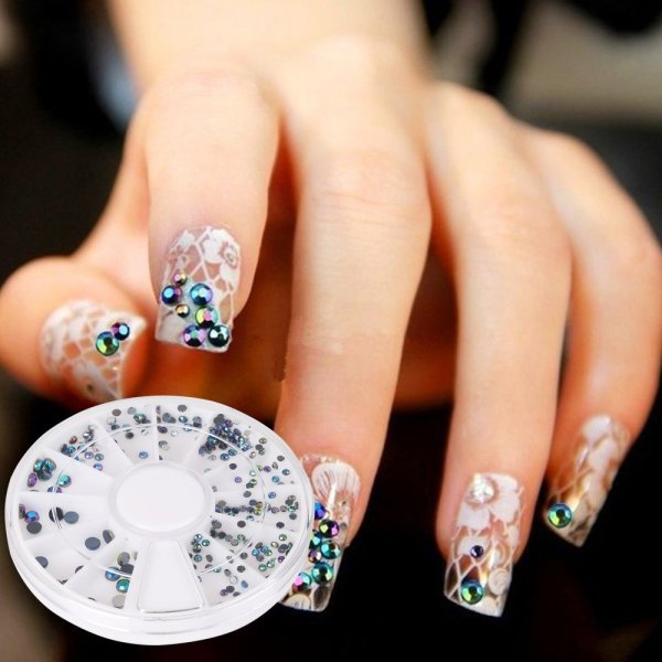 Nail art gemstones
