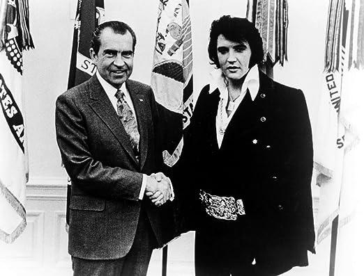 Amazon.com: Richard Nixon shaking hands with Elvis Presley Photo Print (30 x 24): Posters & Prints