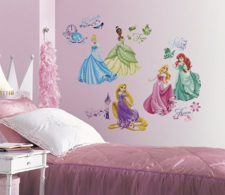 This makes for one of the best Disney dorm room styles!