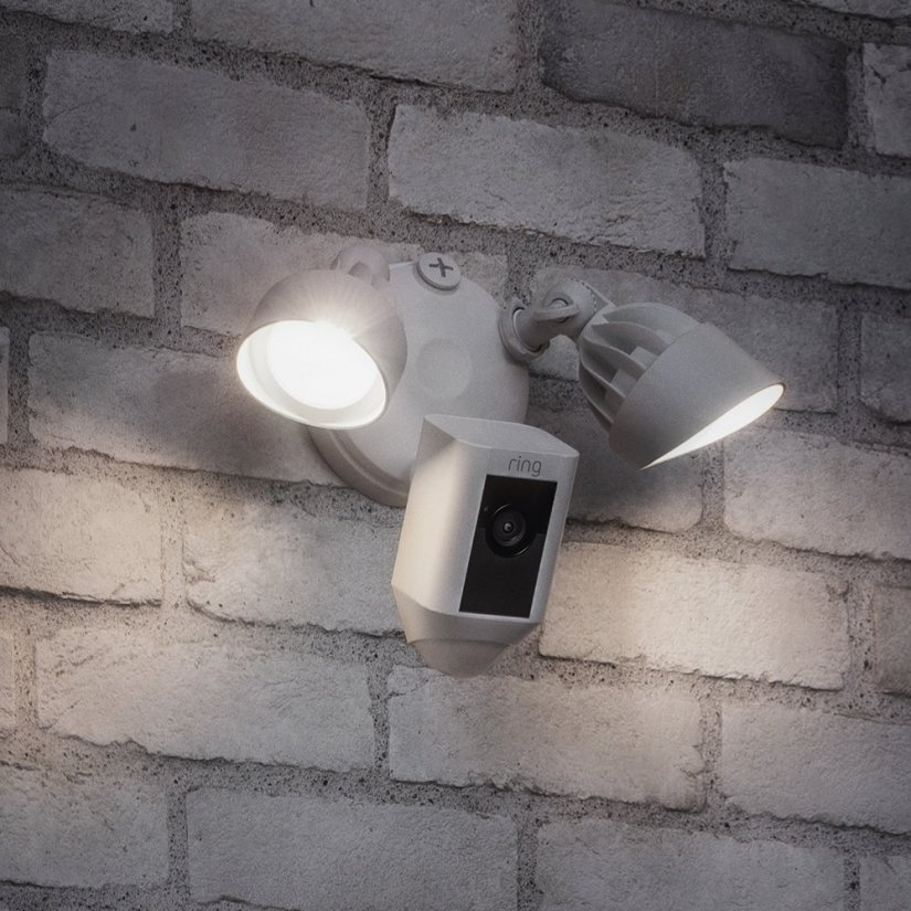 Ring Floodlight Camera Features