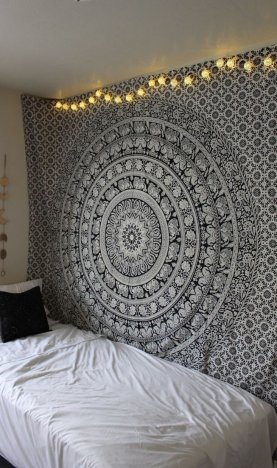 Look at these cheap ways to decorate your dorm space!