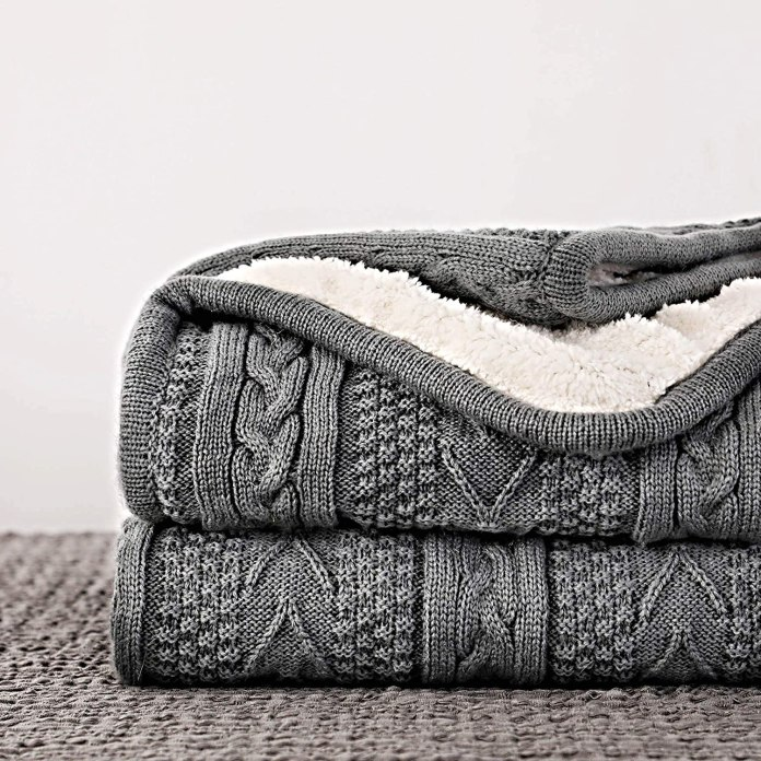 Acrylic Cable Knit Sherpa Throw Blanket
