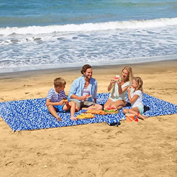 """Amazon.com : UrbanEco Outdoors Lightweight Beach Blanket - Oversized 107"""" x  77"""" - Waterproof Sandproof - Double Anchored for Fun Leisure Beach Blanket  - With Stake Pouch and Plastic Stakes - Durable"""