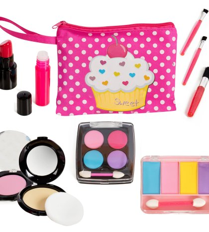 31f968e95c84 Beverly Hills Kids Pretend Play Makeup Cosmetic Kit with Bright Polka  Dotted Cosmetic Bag