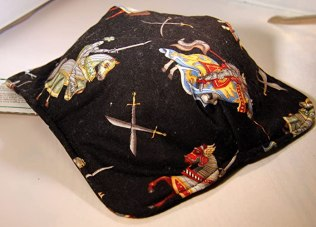 Microwave Microwavable Pot Holder Knights in Armor on Horses Print Pattern