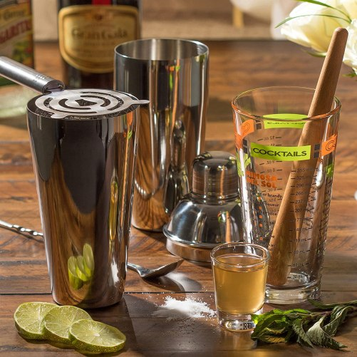 Mixology sets make good christmas gift ideas for your mother in law!