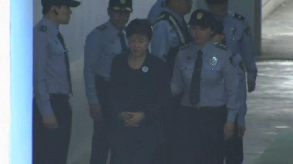 南韓前總統樸槿惠今首次出庭受審   Now 新聞