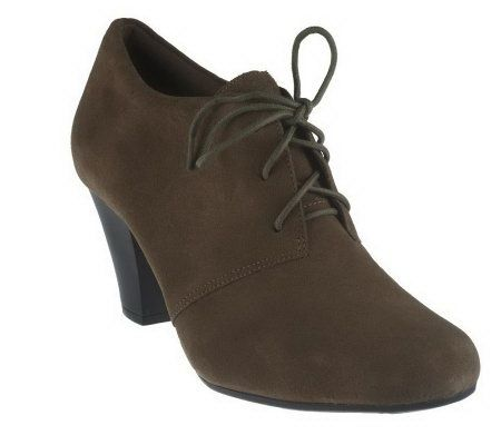 A217103 - Clarks Bendables Suede Lace-up Shooties