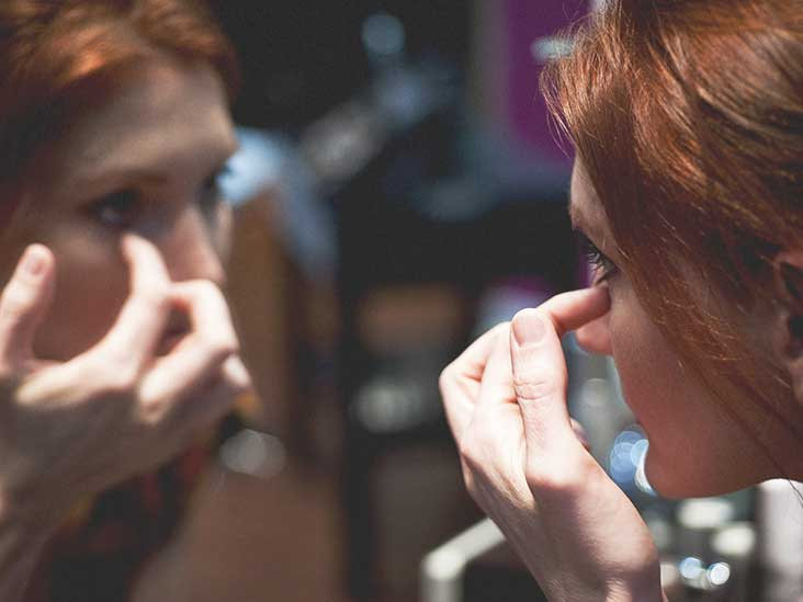 How to Get Rid of Bags Under Eyes: 17 Tips