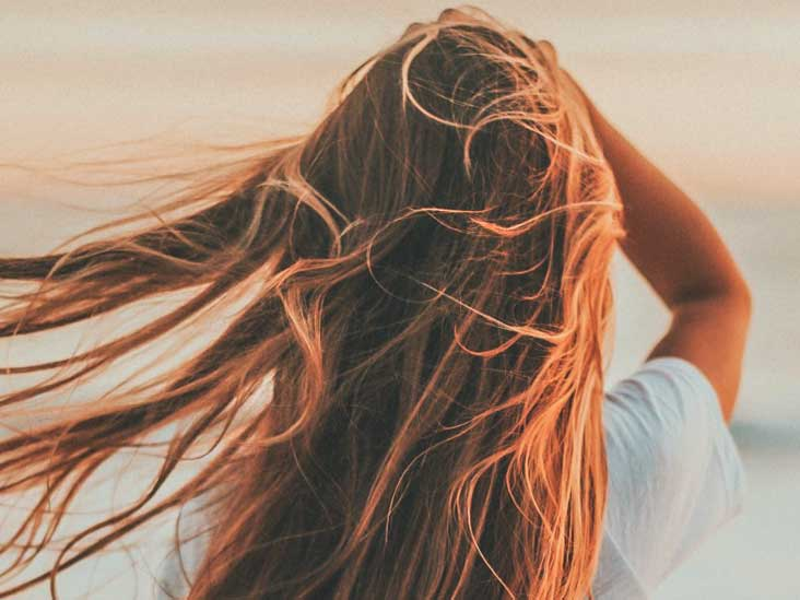 Oily Hair Remedy: 25 Natural Ways to Get Rid of Greasy Hair