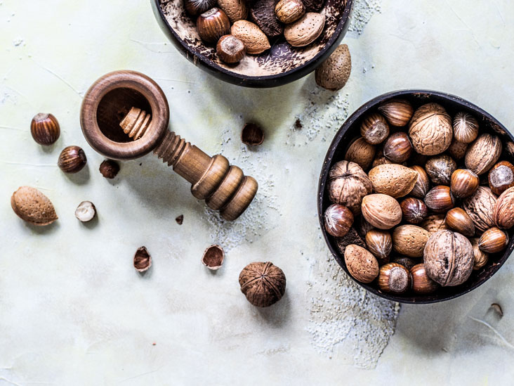 8 Health Benefits of Nuts