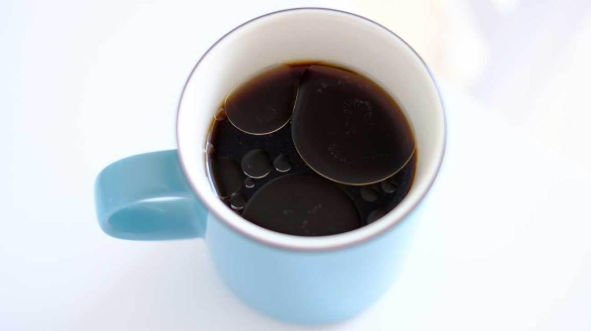 Coconut Oil in Coffee: Is It a Good Idea?