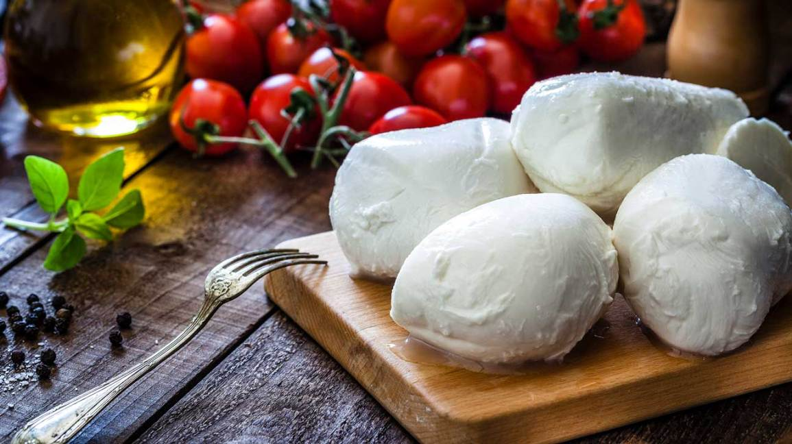 9 Cheeses With Health Benefits