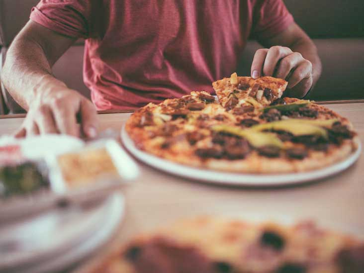 8 Common Symptoms of Food Addiction