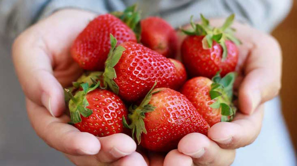 Strawberries 101 Nutrition Facts And Health Benefits